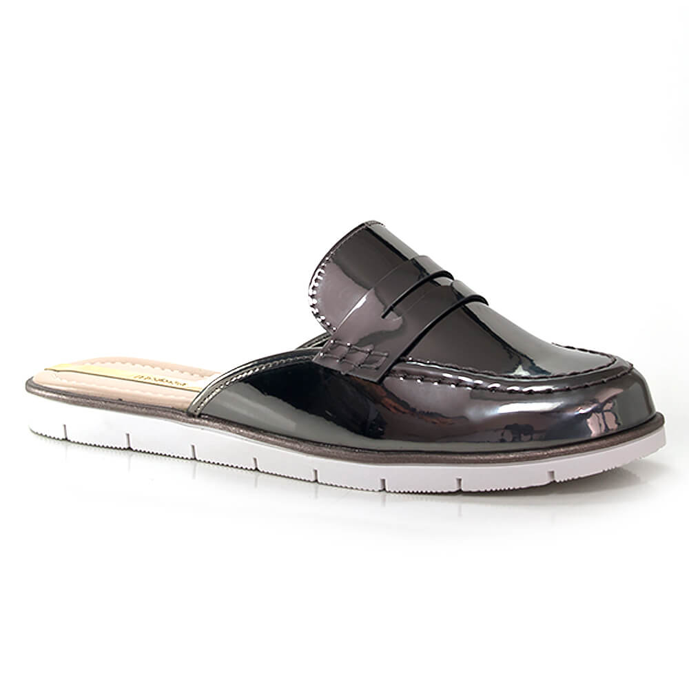 017060417-Loafer-Mule-Moleca-Glam-Chic-Verniz-Grafite