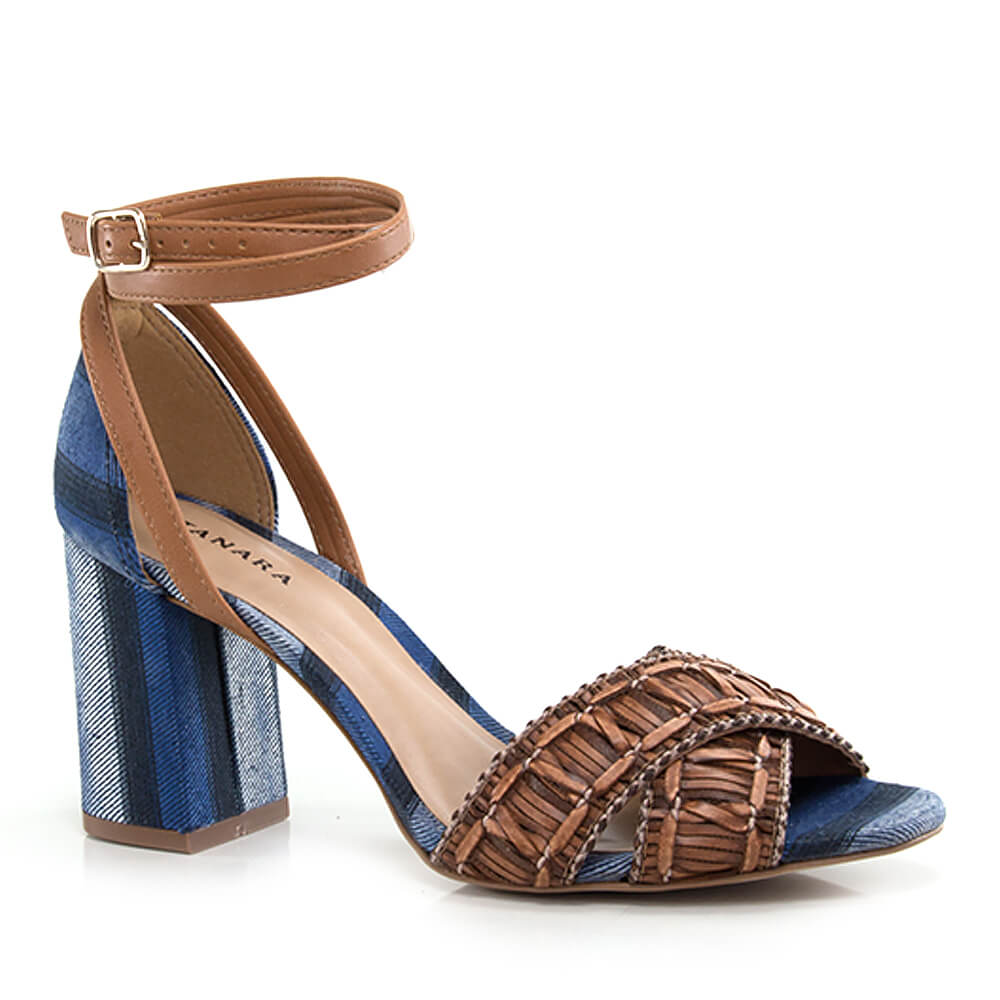 017070529-1-Sandalia-Tanara-com-Salto-Bloco-caramelo-jeans-azul