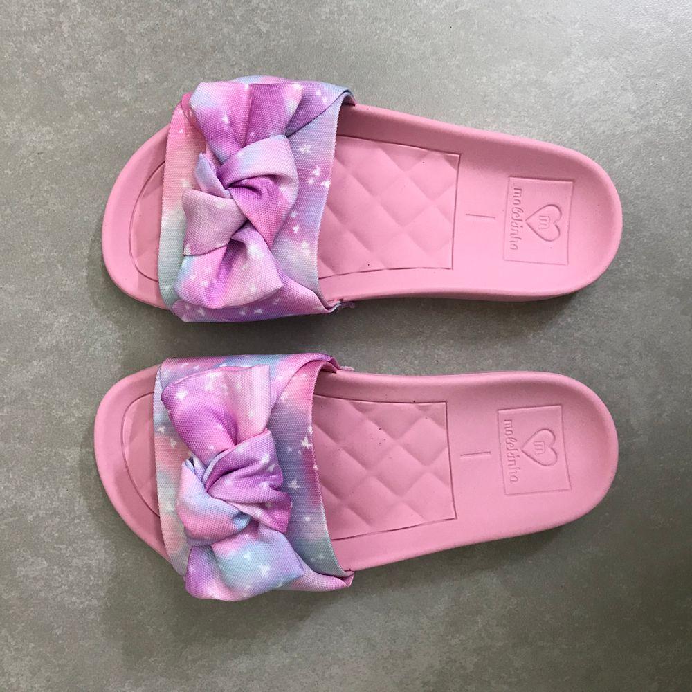 2311103-Chinelo-Molekinha-Slide-Laco-Multi-Rosa