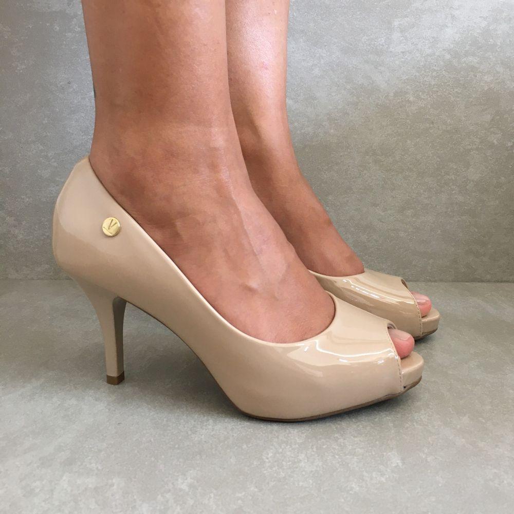 1781807-Sapato-Peeptoe-Verniz-Bege-Vanda-Calcados2