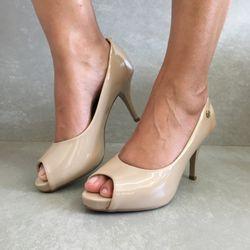 1781807-Sapato-Peeptoe-Verniz-Bege-Vanda-Calcados3
