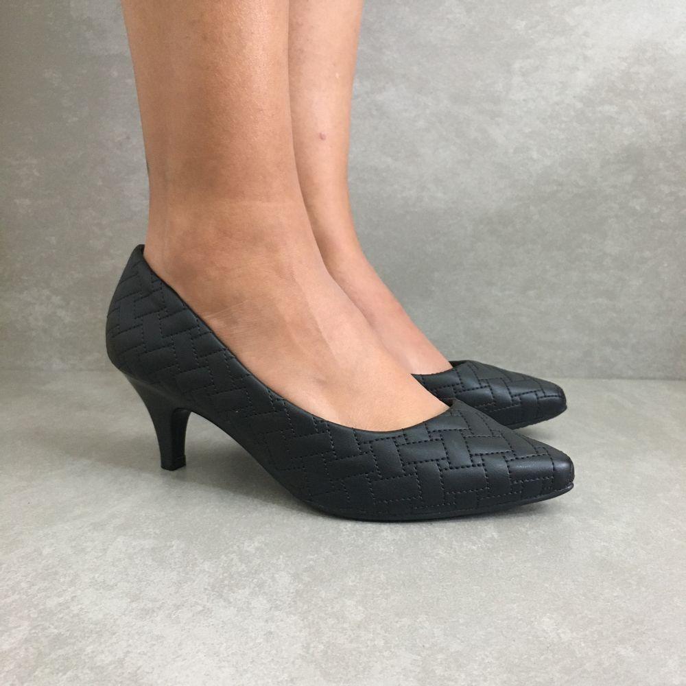 40741004-sapato-scarpin-bico-fino-feminino-salto-baixo-todo-preto--1-