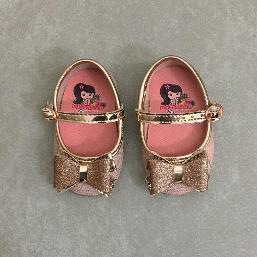 2901437-molekinha-boneca-laco-ouro-rosado1