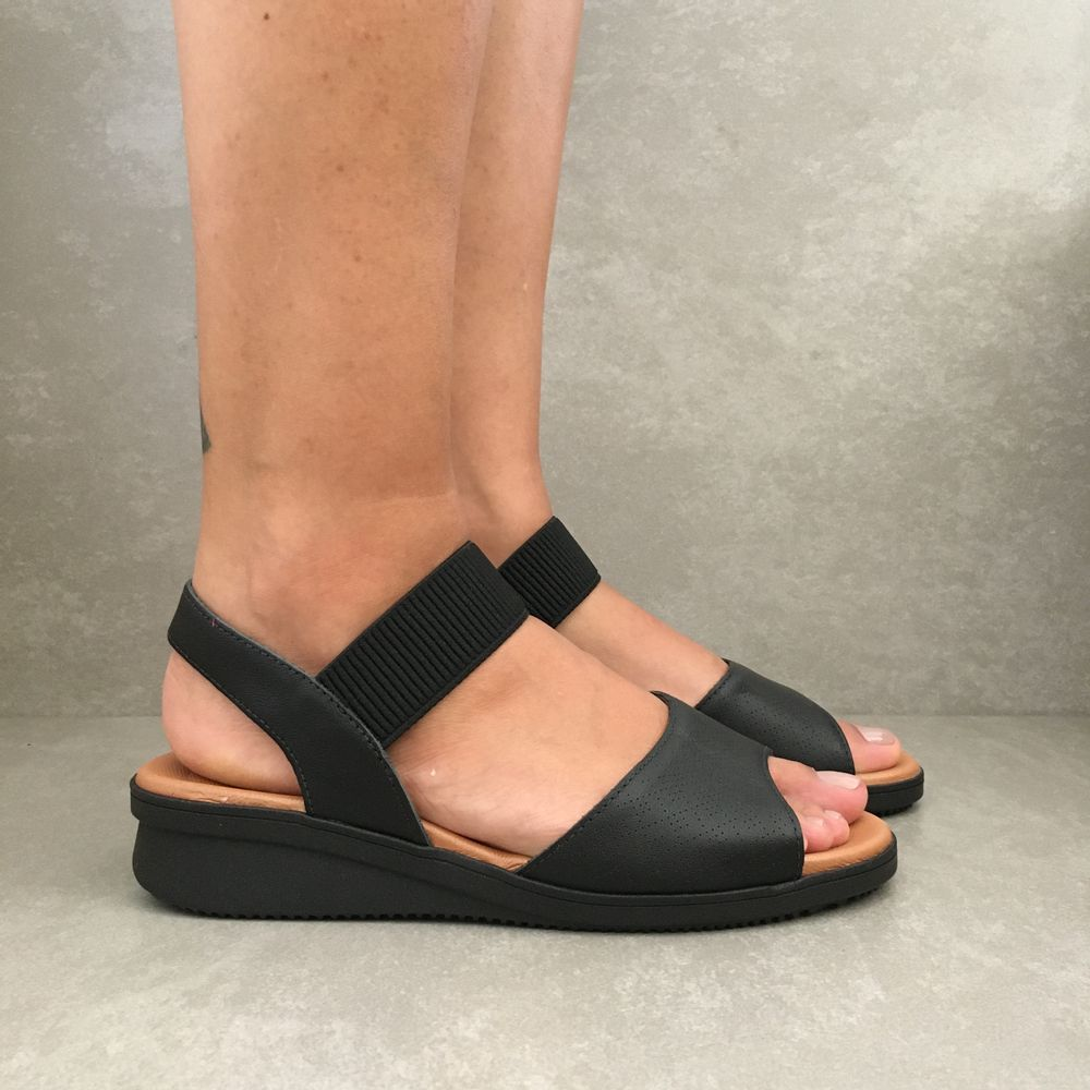 ae2013-sandalia-feminina-usaflex-anabela-elastico-preto-vandacalcados3