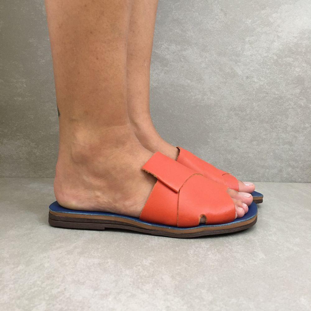1231799-rasteira-zimbaue-gaspea-trancada-laranja-azul-bic-vandacalcados1