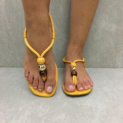 1171738-rasteira-zohla-dedo-calce-facil-amarelo-solar-vandacalcados1
