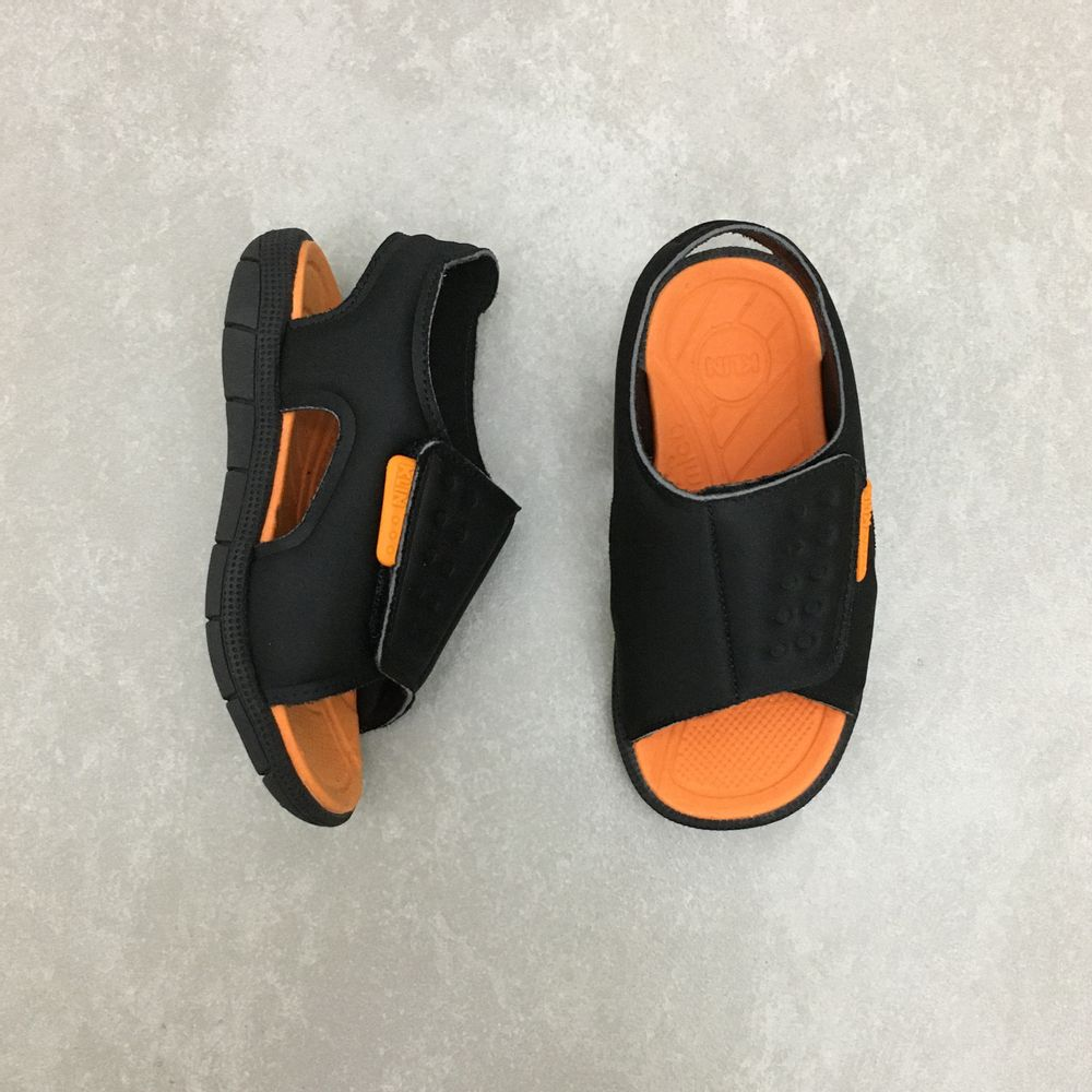 711128-papete-klin-tic-tac-neoprene-preto-laranja-vandacalcados-vandinha3