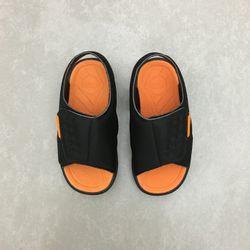 711128-papete-klin-tic-tac-neoprene-preto-laranja-vandacalcados-vandinha2