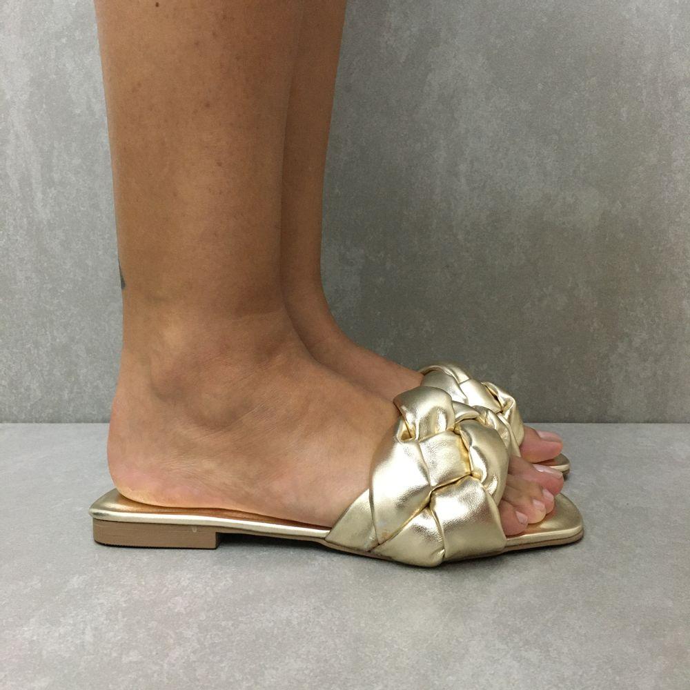 4498010-rasteira-hms-confy-tranca-sued-cristal-ouro-vandacalcados2