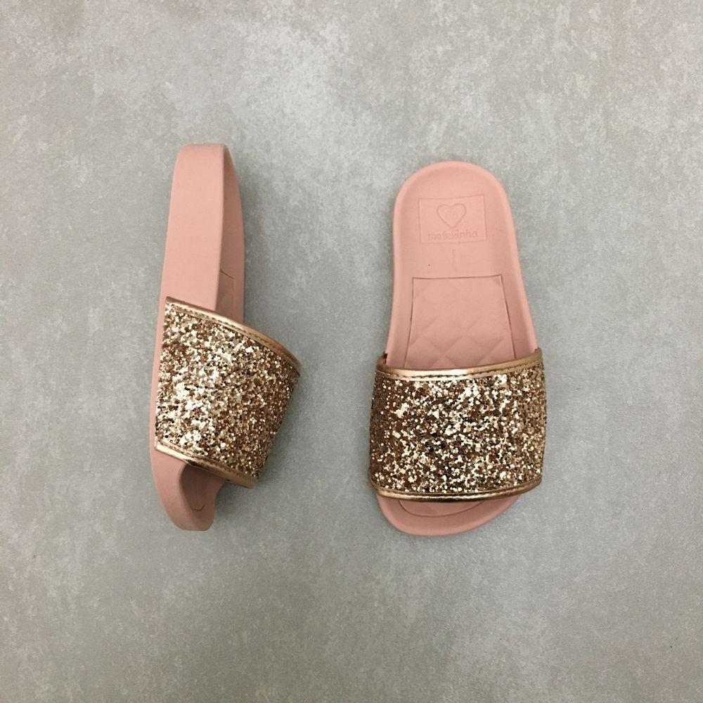 2311105-chinelo-molekinha-slide-gliter-ouro-rosado-vandinha2