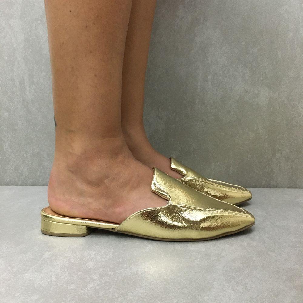 818813109-sapato-sua-cia-mule-light-gold-vandacalcados1