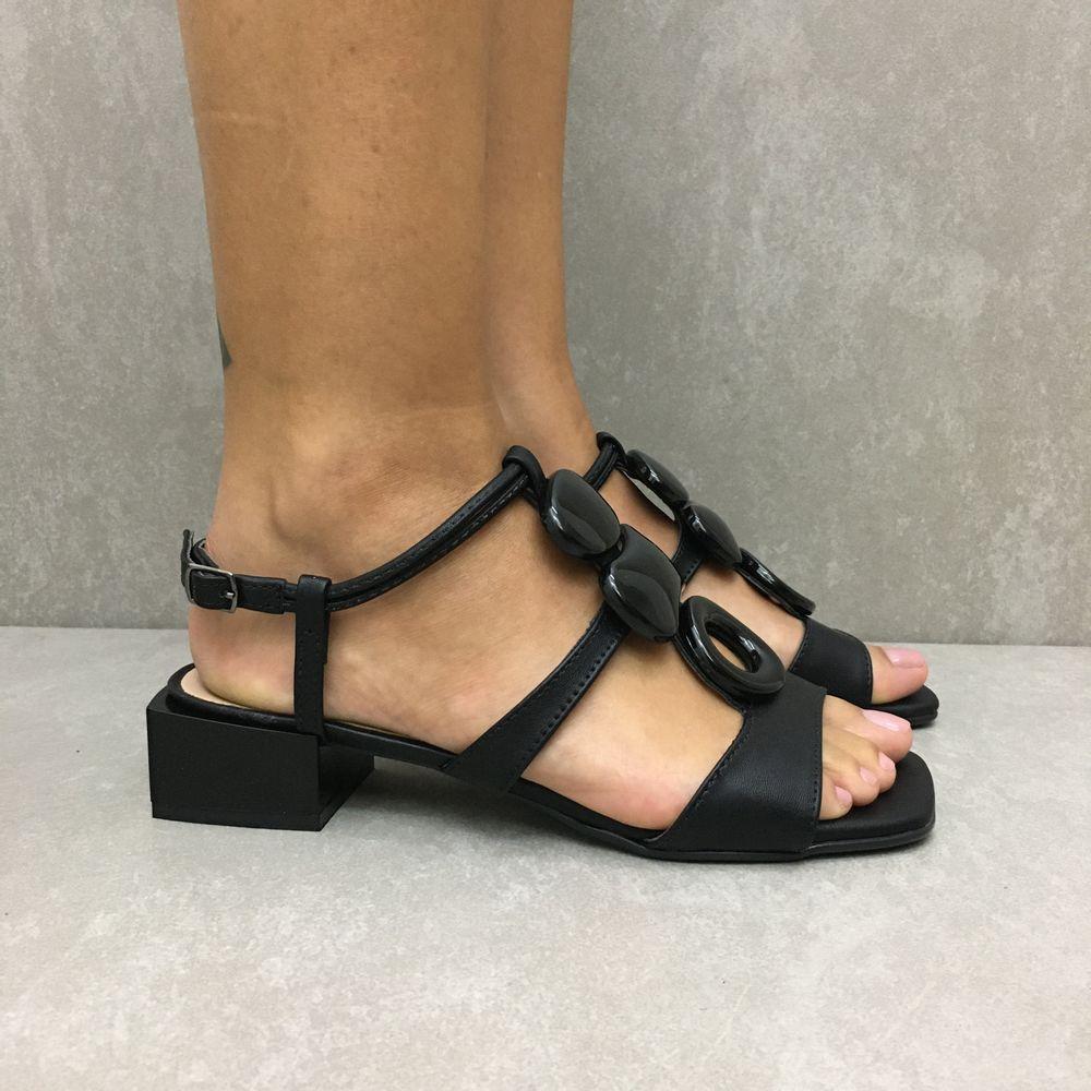 30507043-sandalia-zabumba-salto-quadrado-preto-vandacalcados3