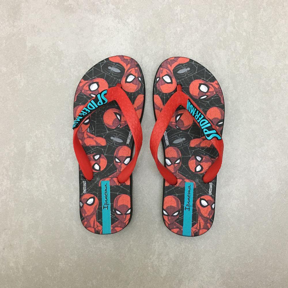 26645-chinelo-ipanema-homem-aranha-zoom-preto-vermelho-vandinha1