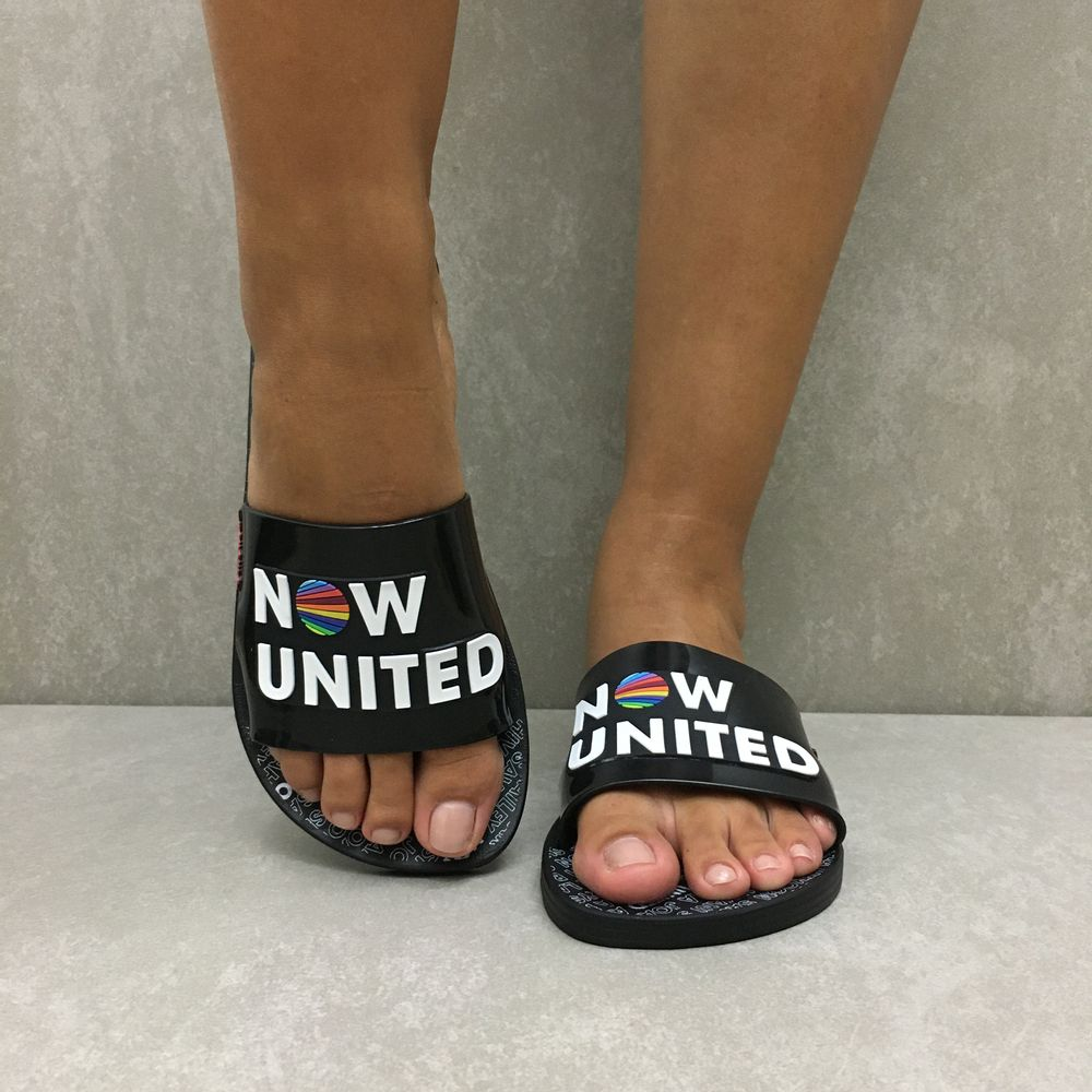 chinelo-ipanema-now-united-slide-preto-branco-26730-vandacalcados4