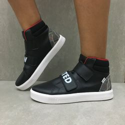 435206-tenis-pampili-now-united-sneakers-preto-vandinha4