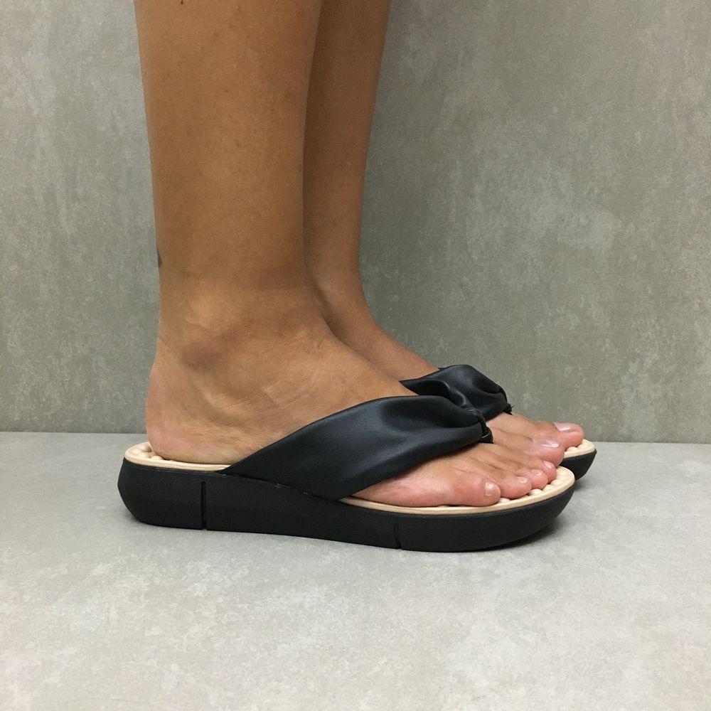 7142114-tamanco-modare-dedo-massageador-preto-vandacalcados2