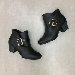7046321-bota-modare-cano-curto-preto-vandacalcados2