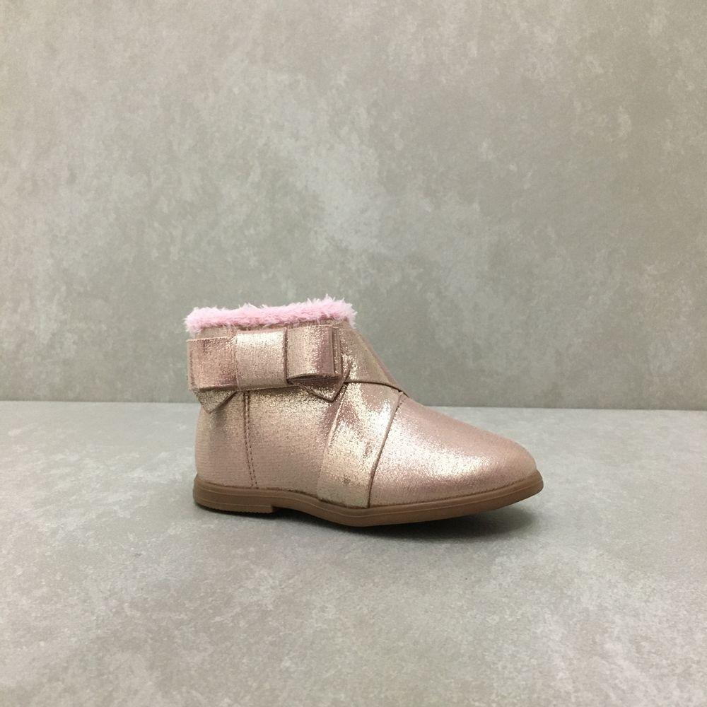 2706100-bota-molekinha-cano-curto-laco-metal-rosa-vandinha2