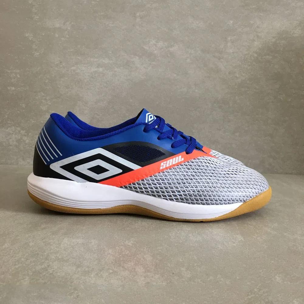 Chuteira-Umbro-Soul-Pro-Futsal-branca-azul-nova-2019--1