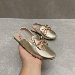 7001100128-sapato-mini-sua-cia-mule-elastico-light-gold-champagne-vandinha1