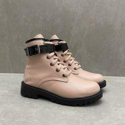905450981-bota-mini-sua-cia-tratorado-quartzo-preto-vandinha3