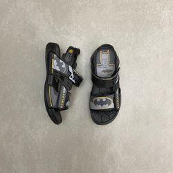 22518-sandalia-grendene-kids-batman-nave-preto-vandinha4