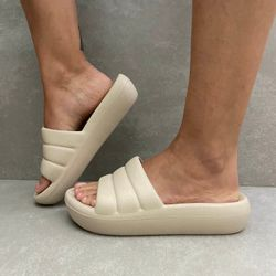 222001-tamanco-feminino-piccadilly-linha-marshmallow-comfy-plataforma-todo-marfim-2
