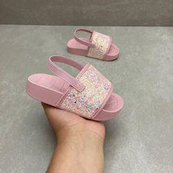 2125100-chinelo-infantil-molekinha-baby-com-glitter-rosa-menina-com-elastico-2