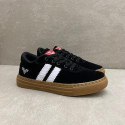 v540-tenis-feminino-rekoba-stripes-preto-latex-com-cadarco-vandacalcados2