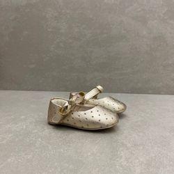 379618-sapato-pampili-boneca-dourado-vandinha2