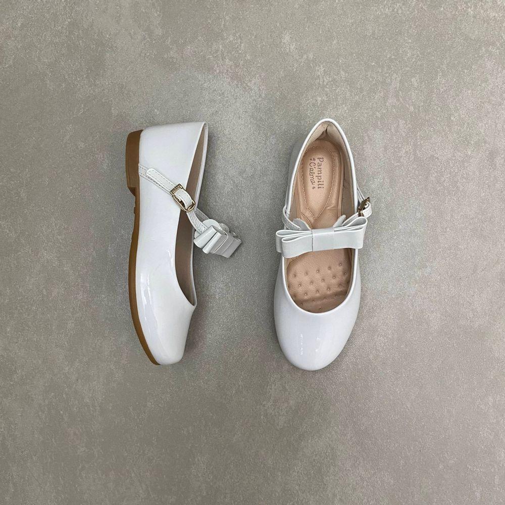 10360-sapato-pampili-boneca-laco-verniz-branco-vandinha1