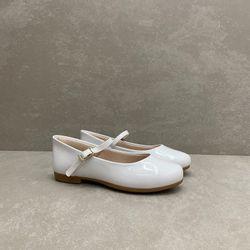 10360-sapato-pampili-boneca-laco-verniz-branco-vandinha4