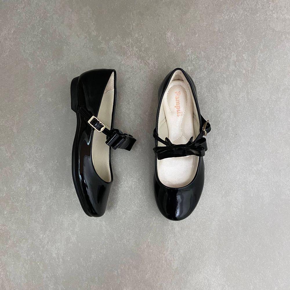 10360-sapato-pampili-boneca-laco-verniz-preto-vandinha1