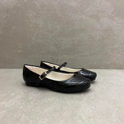 10360-sapato-pampili-boneca-laco-verniz-preto-vandinha4