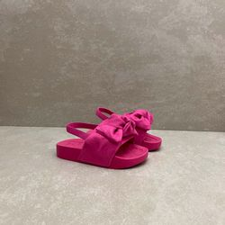 2125101-chinelo-infantil-molekinha-baby-com-laco-camurca-rosa-pink-menina-com-elastico-3