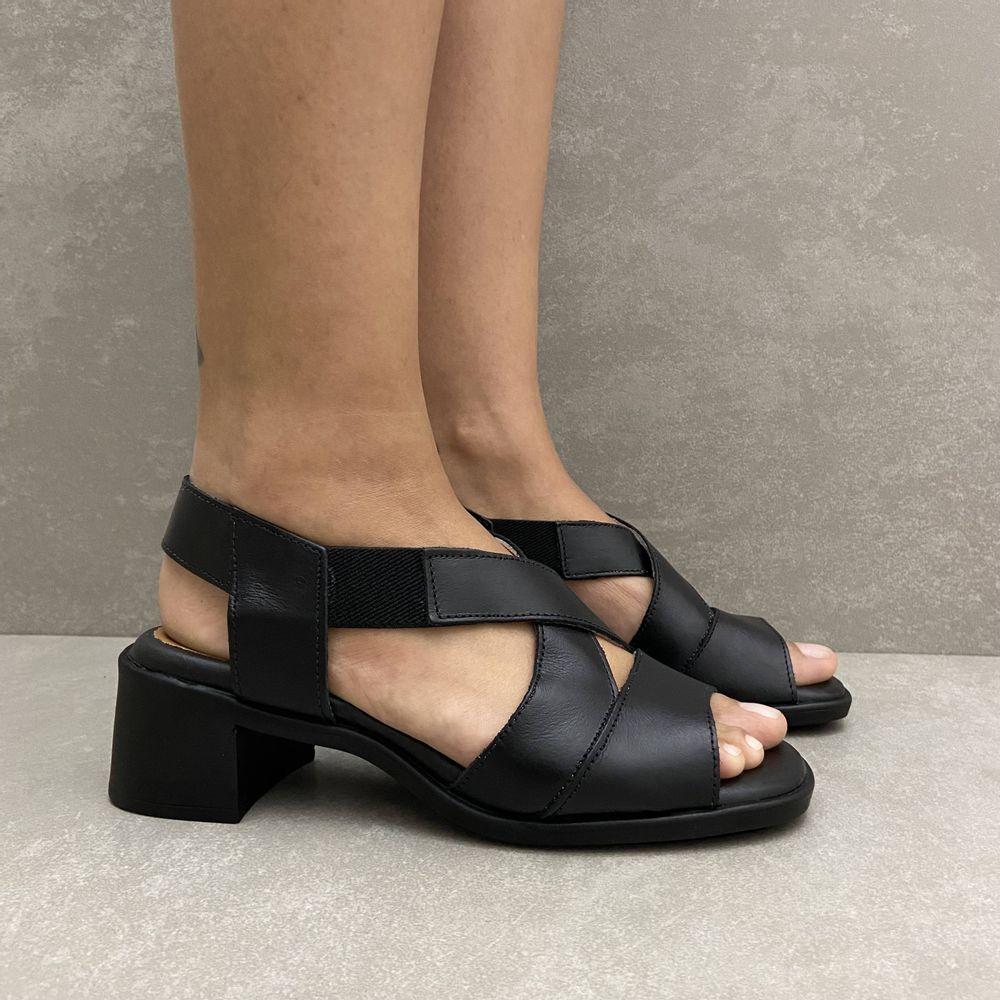 341144-sandalia-soraya-elastico-salto-em-couro-preto-vandacalcados4