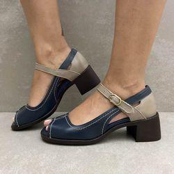 341068-sandalia-soraya-vazada-couro-azul-marinho-fendi-vandacalcados4