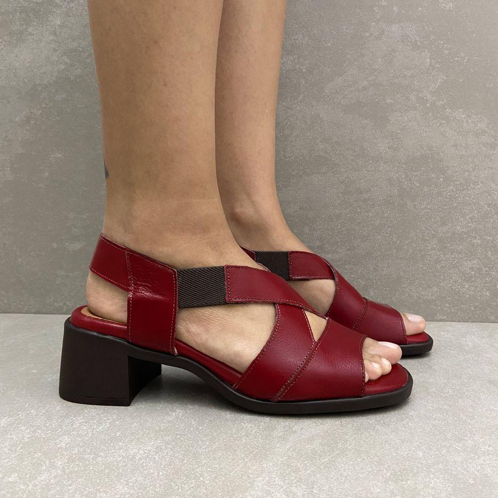 341144-sandalia-soraya-elastico-salto-em-couro-carmim-vandacalcados4