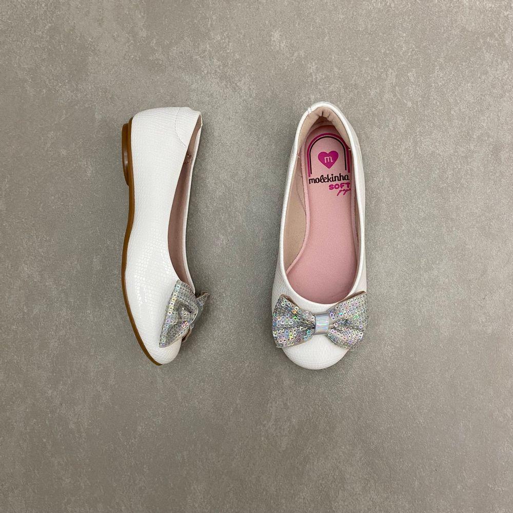 2083997-sapatilha-molekinha-glamour-verniz-branco-vandinha1